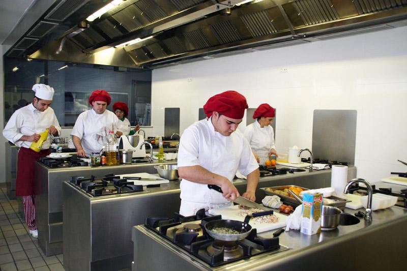 Escuela de hosteler a y turismo de torremolinos - Escuela de cocina ...